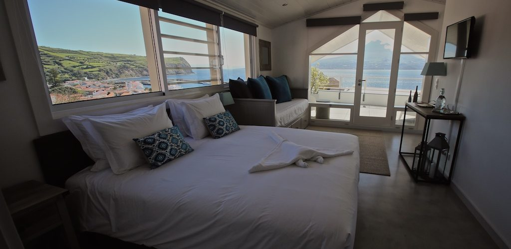 Room 7: ocean view with balcony